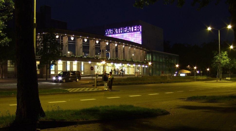 Parktheater 's nachts