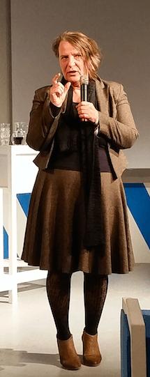 Wethouder Mary-Ann Schreurs tijdens de bekendmaking van de Roadmap Licht