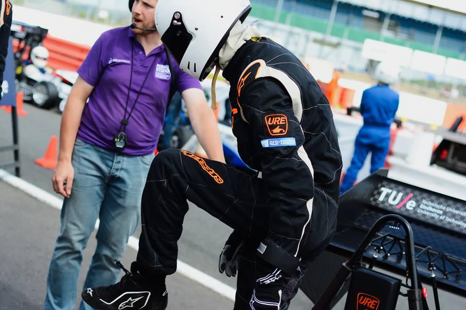 URE racing 3