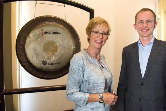 Miriam Dragstra (Directeur BOM Capital) en Gauti Reynisson (CEO, Founder) van Mint Solutions. (foto Sander Nieuwenhuys)