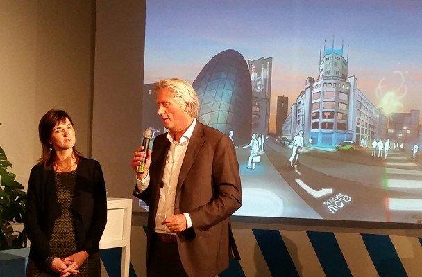 Vertegenwoordigers van Philips en Heijmans bij de bekendmaking  in oktober 2015
