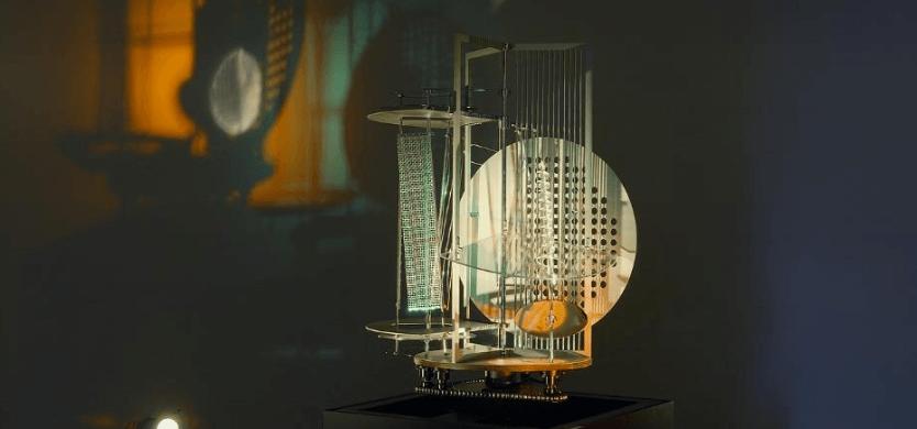 Licht-Raum Modulator (1922-1930) replica 1970, afbeelding van Van Abbemuseum