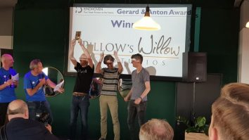 Pillow's Willow winnaar Gerard en Anton Awards