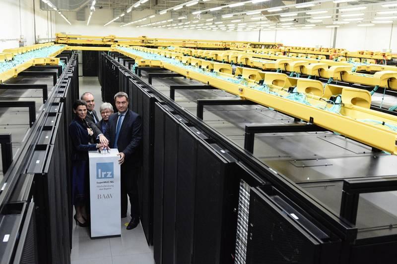 Inbetriebnahme des Supercomputer SuperMUC-NG