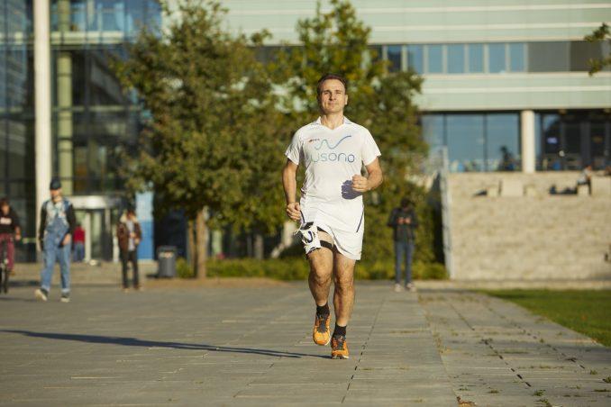 Philips-en-Usono-testen-Lumify-met-ProbeFix-Dynamic-tijdens-_meest-innovatieve-marathon-ter-wereld_-4