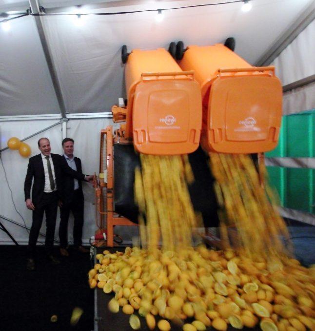 Frits van Eerd (Jumbo) en Otto de Bont (Renewi) openen de eerste productielocatie van PeelPioneers in Son