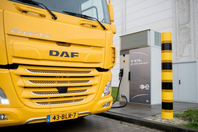 Overhandiging-Elektrische-Vrachtwagen VDL DAF Jumbo