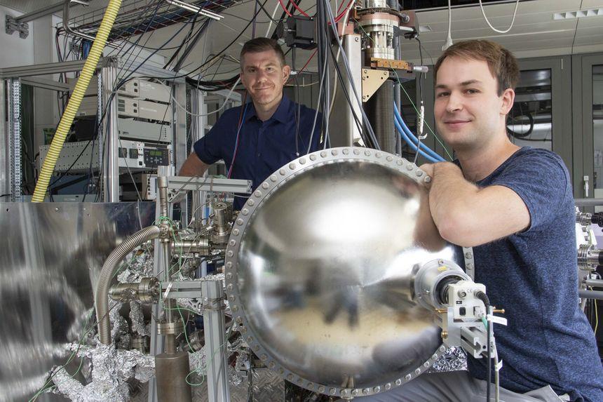 Katalysator aus Iridium-Atomen auf Eisenoxid-Oberfläche