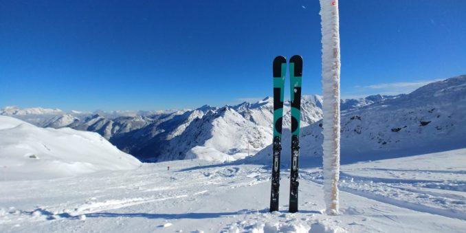 Skier, Wintersportgeräte
