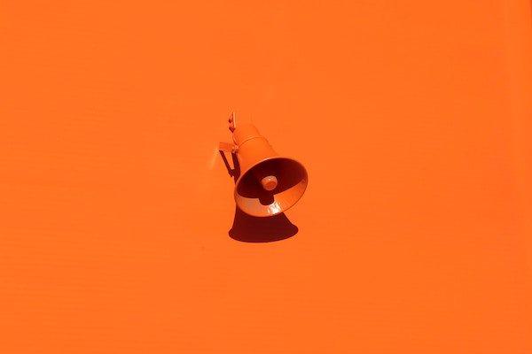 Wahl des Start-up des Monats-oranges Megaphone-Innovation Origins