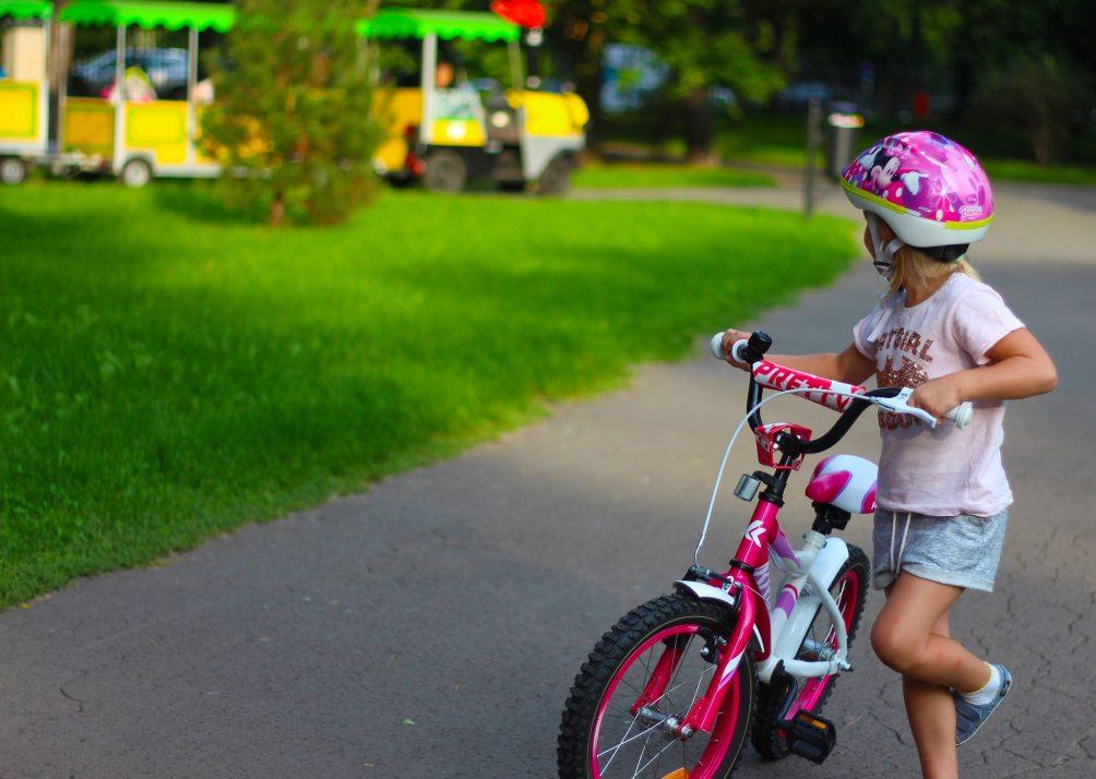Kinder, Fahrrad, Grundschulechule