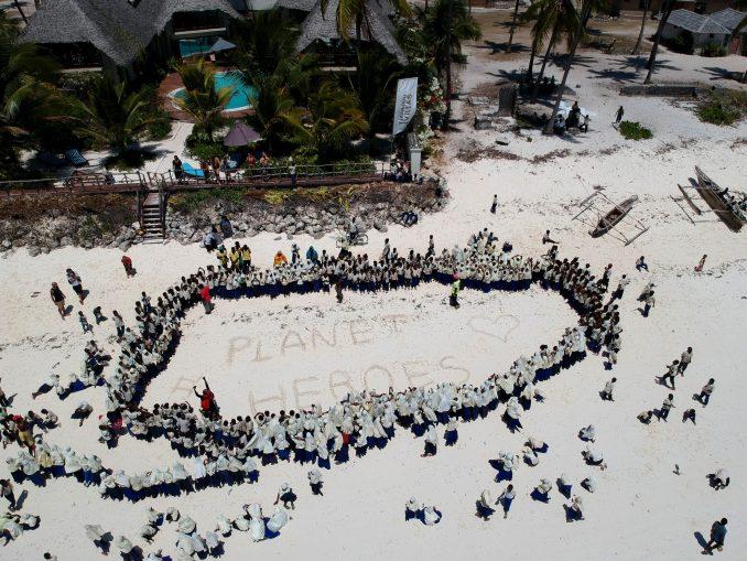 Zanzibar Jambiani Clean Up